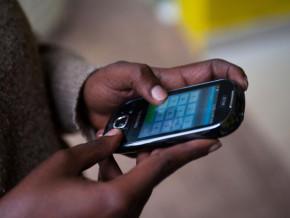 le-taux-de-penetration-de-la-telephonie-mobile-au-cameroun-est-passe-d-environ-12-en-2005-a-pres-de-83-en-2016