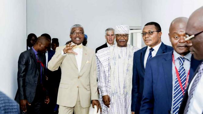 les-etats-unis-offrent-un-centre-des-operations-d-urgence-sanitaire-d-une-valeur-de-2-milliards-fcfa-au-cameroun